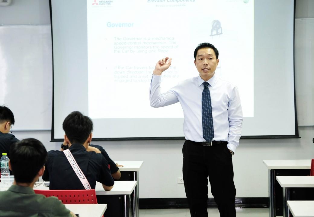 Mitsubishi gives a lecture to student at Kasetsart University